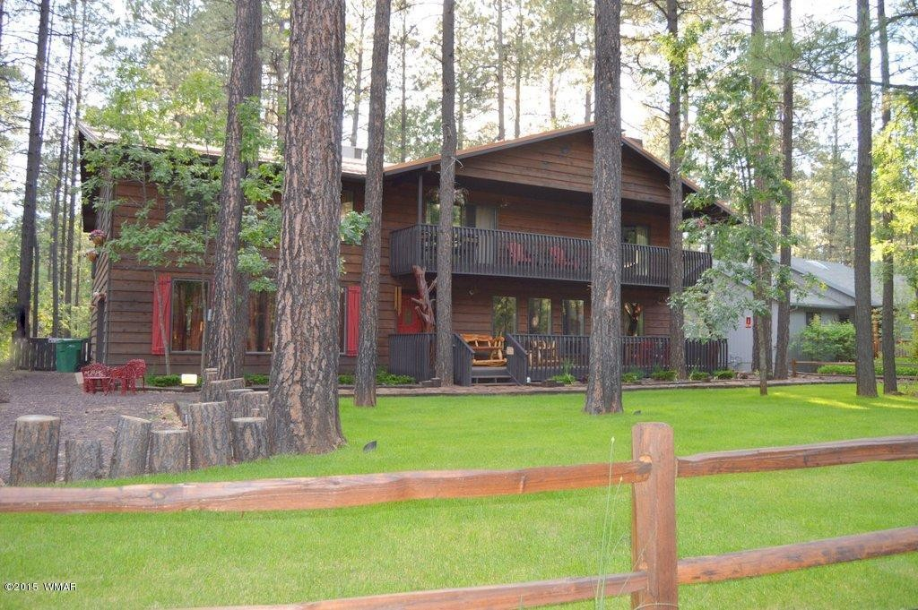 Pinetop Cabin for rent sleeps large groups