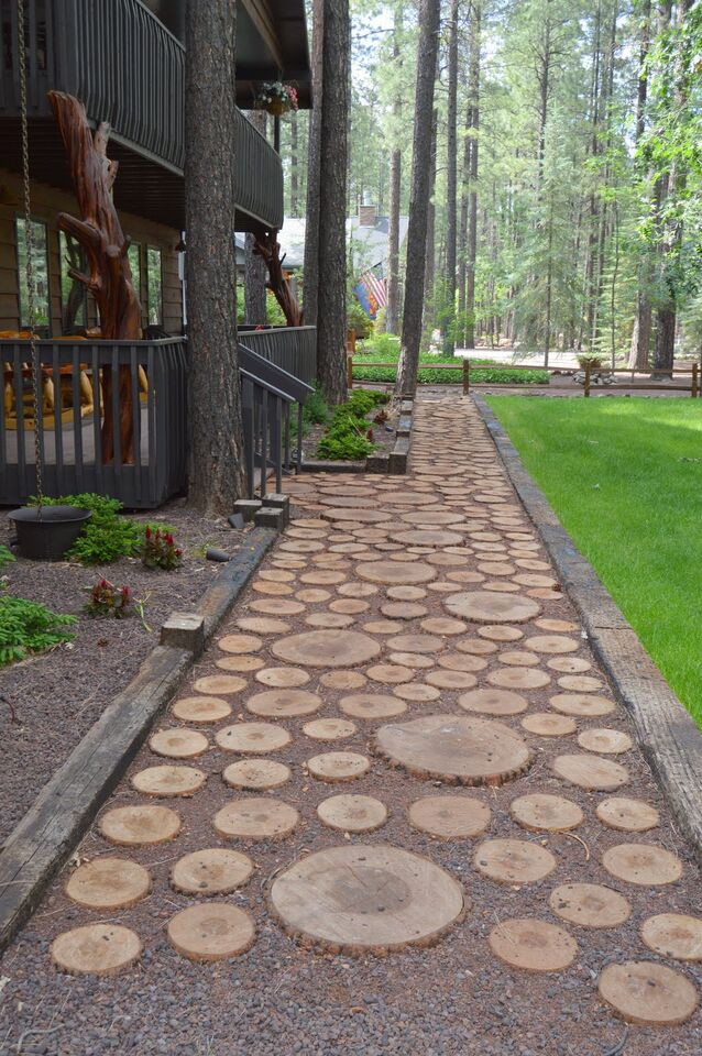 Custom log walkway on Pinetop cabin rental